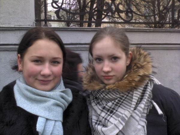 Саша Вайт (справа), подстилка Тесака